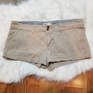 American Eagle Outfitters stretch khaki shorts